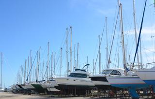 Stationnement port à sec Port saint louis du Rhône Navy Service
