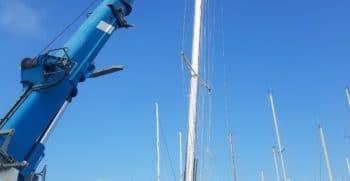 Port à sec Port Navy Service - Démâtage du dériveur intégral aluminium Garcia