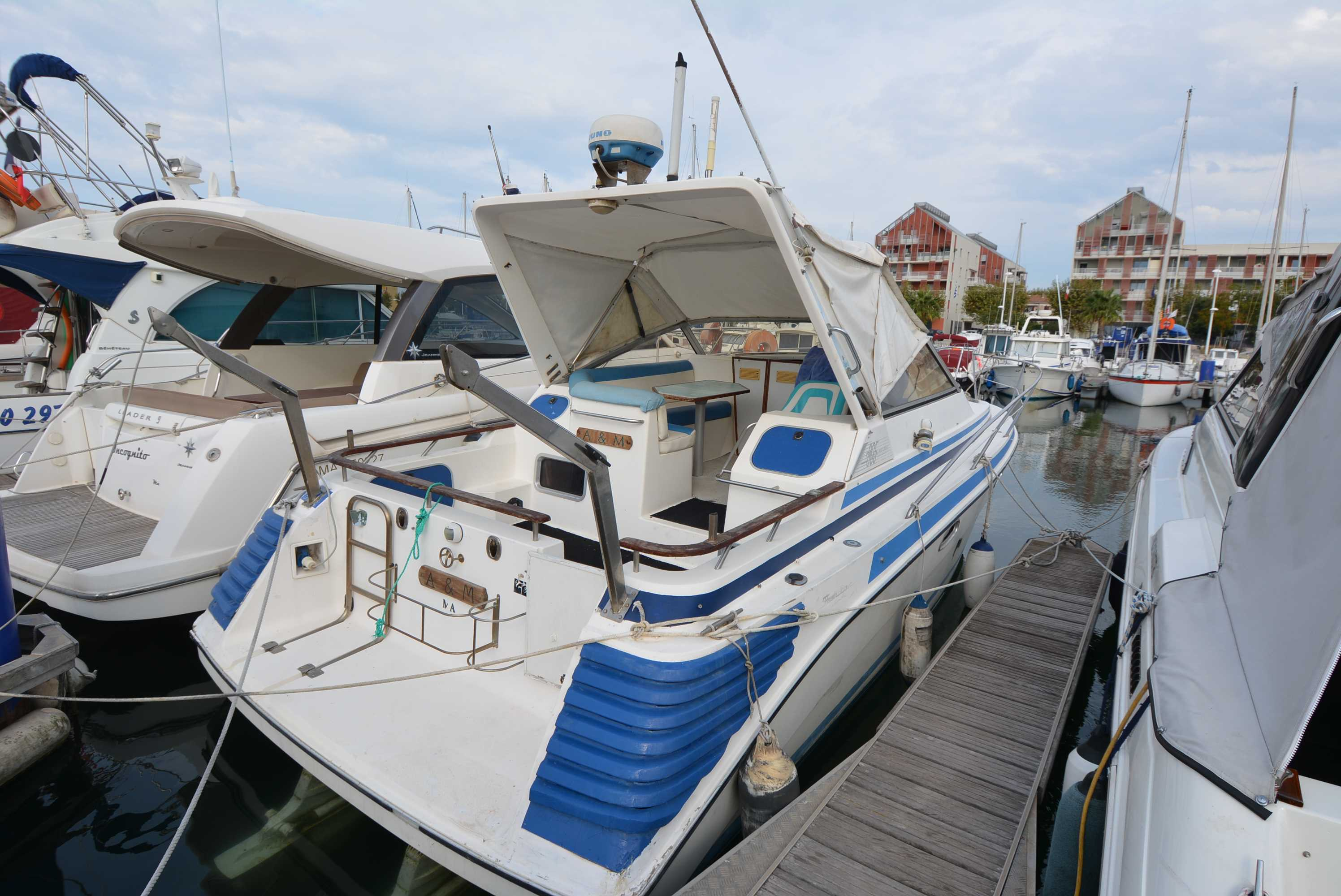 kirie Flash Boat 305